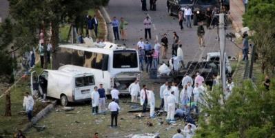 معظمهم سوريون.. مقتل 19 شخصا في انقلاب حافلة مهاجرين غرب تركيا
