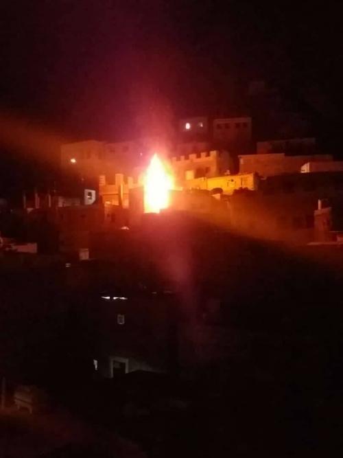اندلاع حريق في منزل بمدينة كريتر بعدن