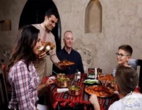 """مطاعم سوريا تقدم """"إس-300"""" وكلاشنكوف للزبائن"""