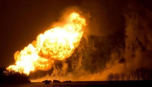 ارتفاع ضحايا حريق خط أنابيب نفطي في نيجيريا إلى 60 قتيلا