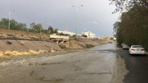 بالفيديو.. هطول الأمطار الغزيرة على مكة المكرمة