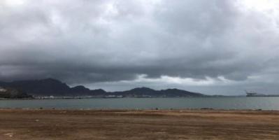هطول أمطار على عدن وتعز ولحج والضالع «صور»
