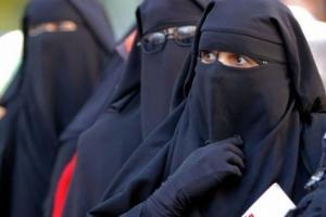 بعد المدارس.. الجزائر تحظر النقاب في جميع أماكن العمل «تفاصيل»