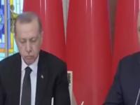 بالفيديو.. أردوغان يفرك عينيه لمقاومة النعاس في مؤتمر صحفي