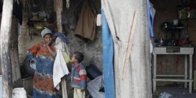ثلاثية المرض والفقر والإعاقة..حين تستوطن المعاناة  منزل متقاعد كسيح