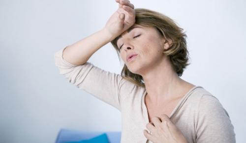 خطوات تخفف معاناة النساء في سن اليأس.. تعرف عليهم