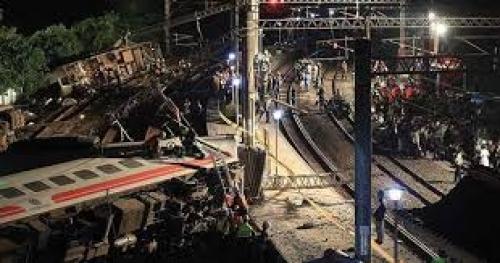 مقتل 22 شخصًا وإصابة 170 في حادث قطار شرقي تايوان