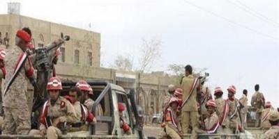 شاهد..قوات الشرعية تسيطر على مقر القيادي الحوثي جلال الجلي