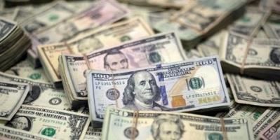 الدولار يقترب من أعلى مستوى له في 10 أسابيع