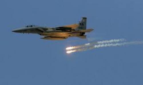 غارة جوية تستهدف الحوثيين بالبيضاء.. ومقتل قيادات للمليشيا في تعز