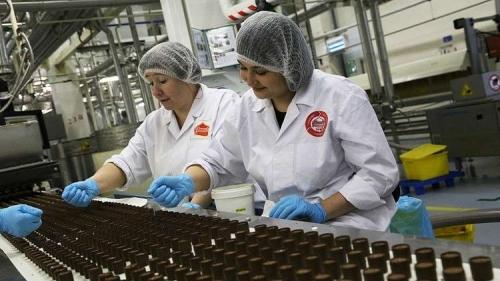 تصدير حلويات روسيا إلى قطر