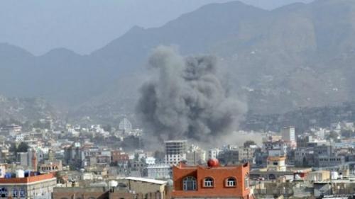 التحالف يقصف أهدافاً عسكرية حوثية بصنعاء