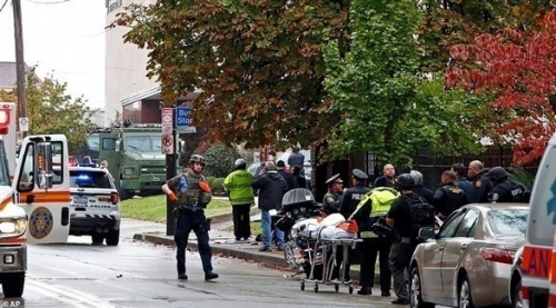 مقتل 11 في حادث إطلاق نار بمحيط معبد يهودي بأمريكا