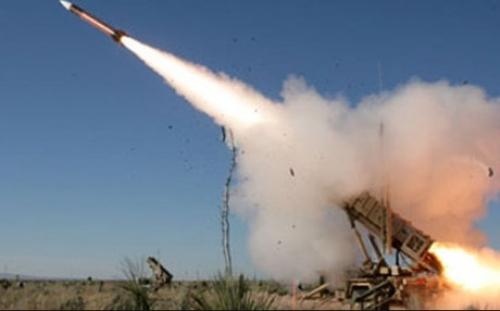 الحوثي يعاقب أهالي الحديدة بـقصف باليستي عشوائي