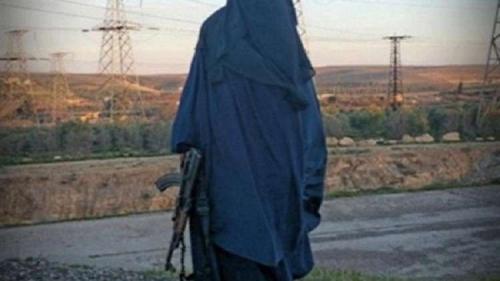 الأرملة البيضاء.. داعشي معتقل ينفي وفاة أخطر إرهابية بريطانية