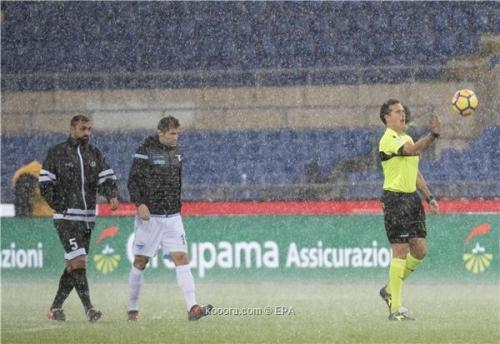 سبب غريب وراء تأجيل مباراة الكلاسيكو الإيطالي