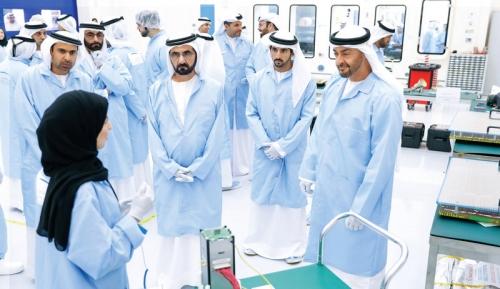 """بن راشد عن إطلاق """"خليفة سات"""": يوم جديد في تاريخ الإمارات"""