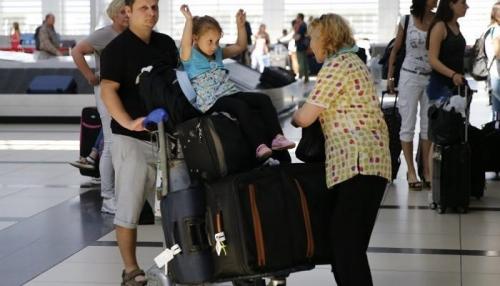 شرم الشيخ تستقبل أول طائرة تحمل سياحا روسيين بعد توقف 3 سنوات