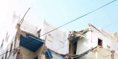 انهيار منزل آيل للسقوط بالمكلا ولا خسائر بشرية (صورة)