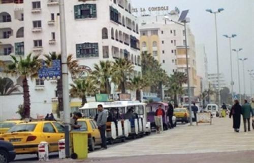 بعد يوم دامٍ.. الحياة تعود لطبيعتها في شوارع العاصمة التونسية