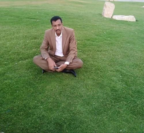 بعد هروبه.. صحفي منشق عن المليشيا يفضح الحوثيين «تفاصيل»