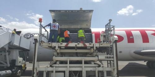 وصول طائرة شحن إلى صنعاء.. وهذا ما تحتويه