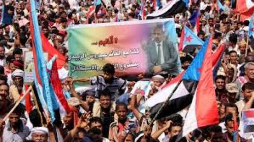 """اليافعي: المقترح الأمريكي يعني """"فرمتة"""" اليمن"""