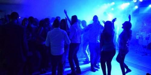 ضبط 40 شابًا في حفل مخل بالآداب.. تعرف على الدولة
