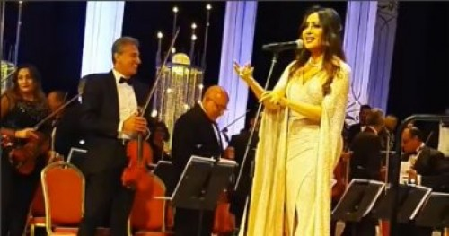 تعرف تتكلم بلدي.. هكذا أحيت لطيفة حفلها بمهرجان الموسيقى العربية