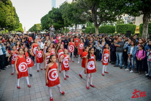 """""""صور"""" شعب تونس يحارب الإرهاب بالفن"""