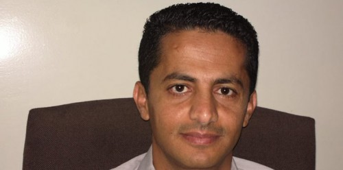 البخيتي مهاجمًا محمد علي الحوثي: يمشي على أربع!