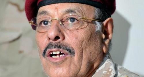 علي محسن الأحمر يتواطأ مع «الإصلاح» ويسمح بسيطرة الإخوان على الجيش في تعز «تفاصيل»
