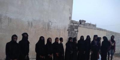 """هروب كبير لمليشيات الحوثي من الحديدة بملابس نسائية .. """" صور """""""