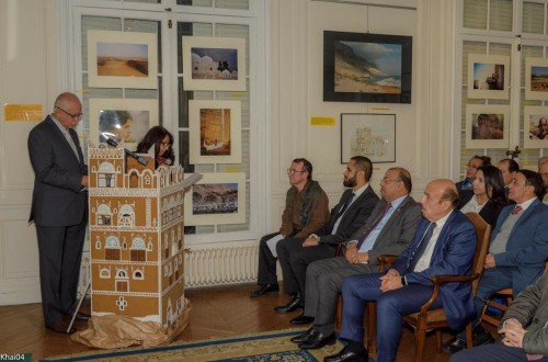 باريس تحتضن معرضاً فنياً للتعريف بتاريخ اليمن وحضارته