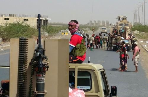 مليشيا الحوثي تتخذ من المدنيين دروعا بشرية في الحديدة