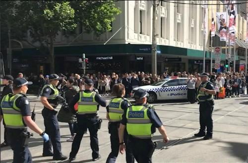 حوادث الطعن تطل من جديد.. هذه المرة تضرب أستراليا (صور)