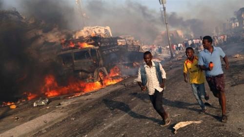 مقتل 17 شخصاً بانفجار 3 سيارات مفخخة في مقديشو