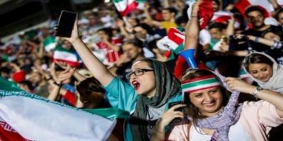 نساء إيران تقاوم قمع السلطات بمنعهن من حضور المباريات