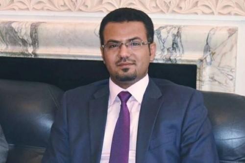 أحمد الصالح يُطالب بحسم معركة الحديدة سريعًا