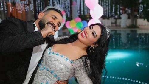 أحمد سعد يهنئ زوجته سمية الخشاب لهذا السبب