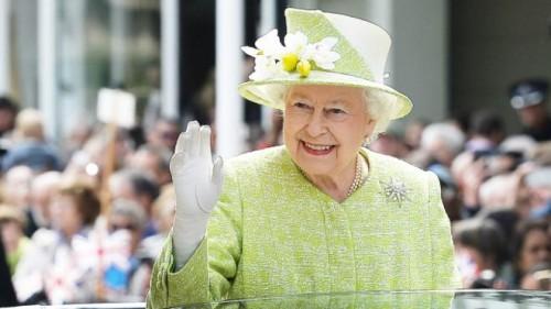 """من ستتوج ملكة لبريطانيا بعد """"إليزابيث الثانية""""؟"""