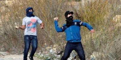 إصابة عشرات الطلاب باختناقات أثناء إحياء الذكرى الـ14 لياسر عرفات