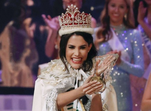 تتويج الفنزويلية مريم فيلاسكو بلقب ملكة جمال العالم 2018