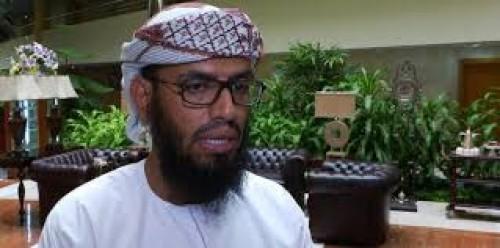 """هاني بن بريك ينفي وجود قيادة """"الانتقالي"""" في الرياض"""