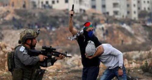 قوات الاحتلال تعتقل شابين بوسط القدس