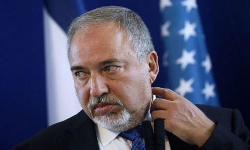 بدأه بحراسة ملهى ليلي.. تعرف على تاريخ وزير الدفاع الإسرائيلي المستقيل