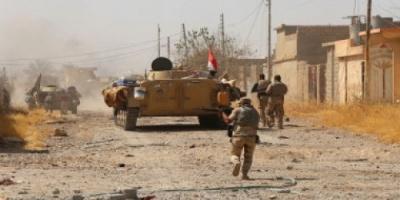 اعتقال خمسة مطلوبين بعملية عسكرية قرب الشريط الحدودي بين العراق وسوريا
