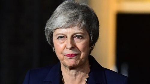 طلبات بالبرلمان البريطاني لسحب الثقة من رئيسة الوزراء