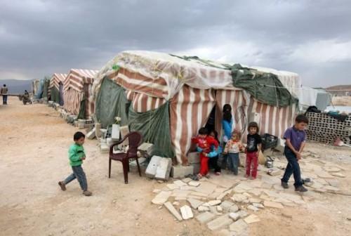 """حصيلة شهر.. وفاة 100 سوري بمخيم """"الركبان"""" نتيجة المرض"""