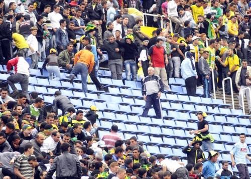 الاتحاد الجزائري لكرة القدم يدين أحداث العنف في الملاعب